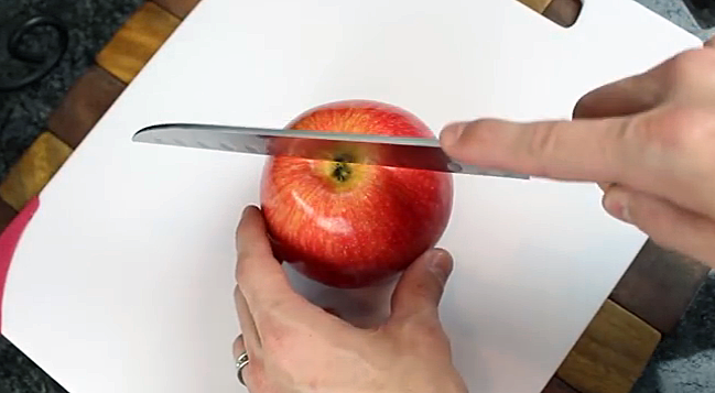 how to keep apples from turning brown after cutting them