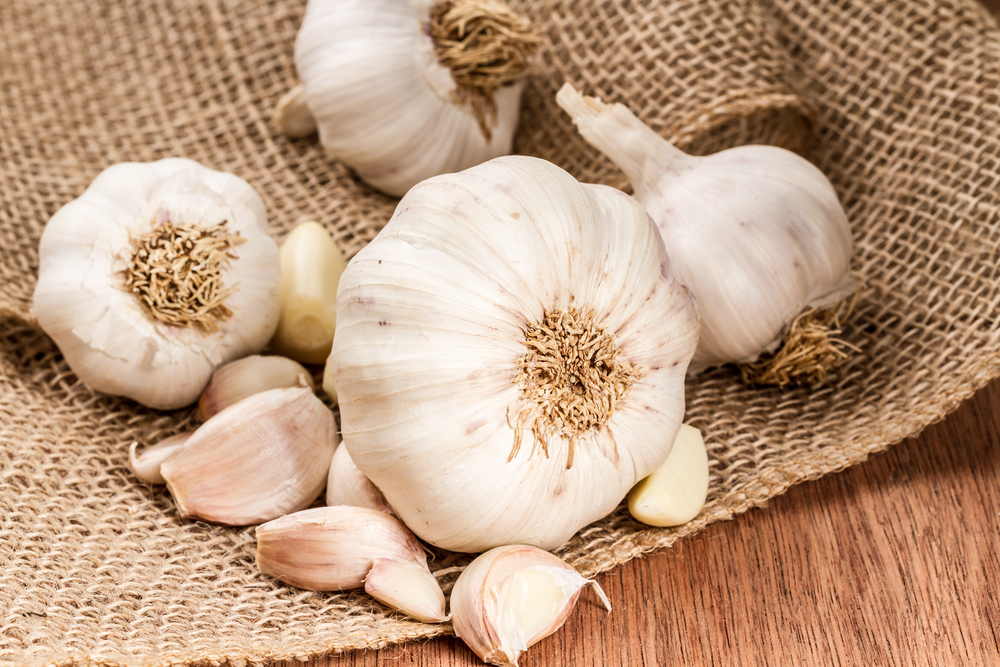 13 Surprising Benefits of Garlic