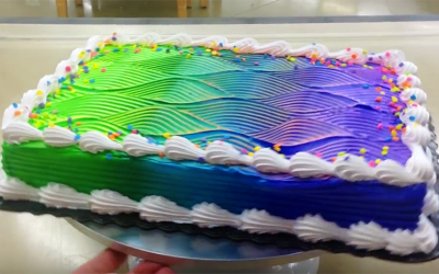 """This """"Optical Illusion"""" Cake Is Breaking The Internet. Watch Very Closely When It Starts To Spin!"""