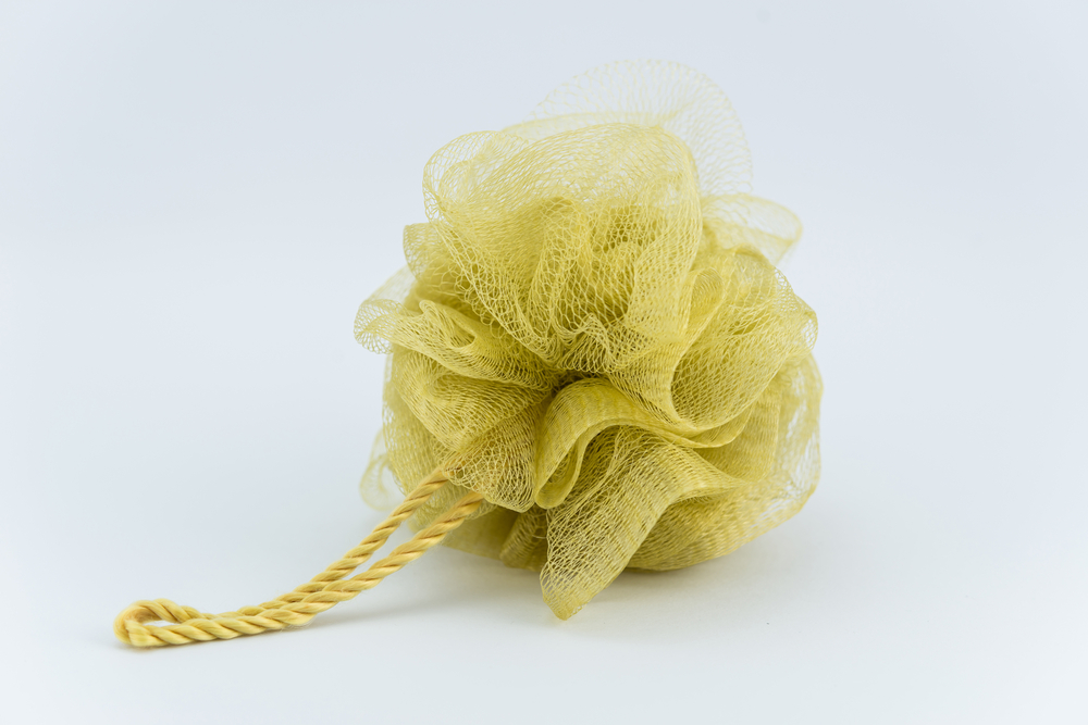 Charmant 5 Reasons Why You Should Throw Out Your Loofah Or Shower Pouf Immediately