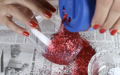 She Starts To Pour Glitter On This Glass Of Wine. When She's Done It's Unexpectedly Stunning Surprise!