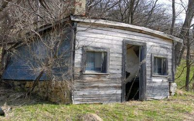 He Buys a Broken Down Rickety Old Log Cabin For 100. But What He Does With It Leaves Everybody Jealous